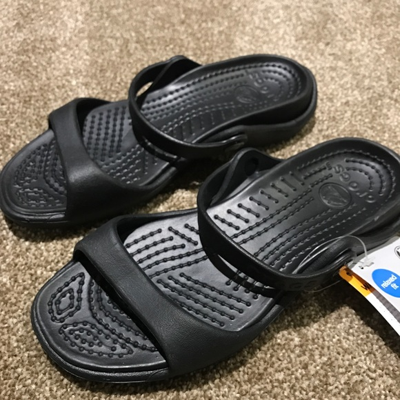 01a2d3132 NWT Black Cleo Crocs Relaxed Fit Sandals